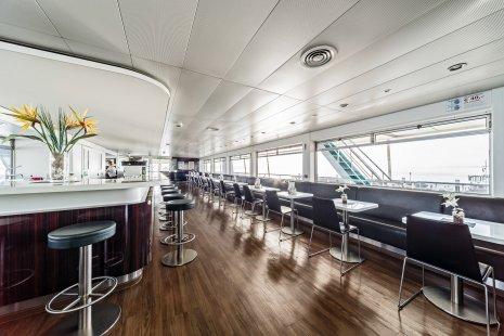 wineo Bodenbelag im Schiff moderne Einrichtung Fußboden Essbereich