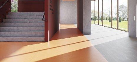 wineo Purline Bioboden orange Treppe Foyer Fenster
